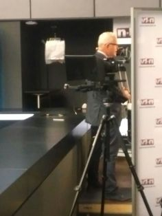 Behind the scenes: Frank Meyer im Einsatz für n-tv