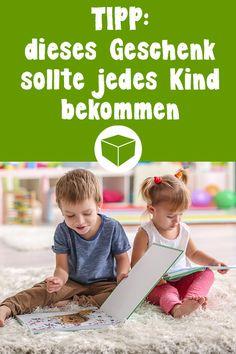 Dieses Geschenk sollte jedes Kind einmal im Leben bekommen. Ob als Lernbuch oder Bilderbuch. Fotobücher eignen sich wundervoll als kreative Geschenkidee für Kinder. #lernbuch #fotobuch #kind #geschenkidee #kindheit