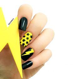 Stars Lightning Nails