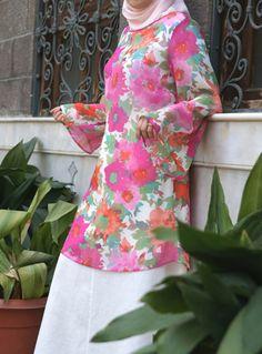 Pastel Flowers Print Flared Sleeve Tunic via www.shukronline.com #shukr