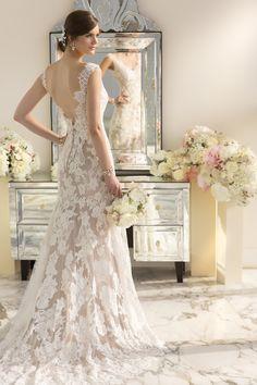 D1639 For brides looking for modern day vintage form fitting wedding dresses I Essense of Australia I See more: http://www.weddingwire.com/wedding-photos/dresses/essense-of-australia/i/5f3c5df9293fcbde-ac6f3fd26fb63672/4ff6fc357a581a94