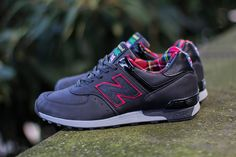New Balance 576 'Punk' (Made in England) - EU Kicks: Sneaker Magazine Nouvelle New Balance, Grease, Tartan, Mode Punk, Cool Trainers, Shops, Sneaker Boutique, Sneaker Magazine, Retro Shoes
