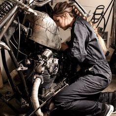 いいね!1,643件、コメント4件 ― Cafe Racers and Lifeさん(@epidemic_motors)のInstagramアカウント: 「A bit cleaner✨ @idaliol #StartYourEngines #motorcycle #bike #custom #ride #epidemicmotors…」