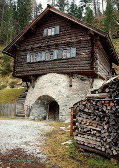 Traditional architacture in Mauterndorf, Salzburg Austria #feelaustria