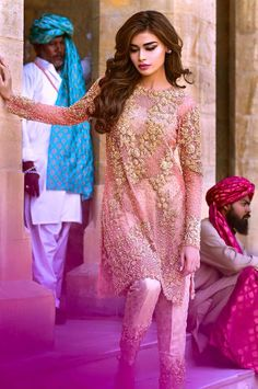 looks beautiful in brand new collection love this by pakistanifashionx Pakistani Couture, Pakistani Wedding Dresses, Pakistani Outfits, Indian Dresses, Indian Outfits, Pakistan Fashion, India Fashion, Ethnic Fashion, Asian Fashion