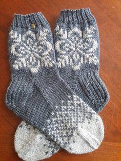 Knit Or Crochet, Mitten Gloves, Yarn Crafts, Knitting Socks, Winter Hats, Handmade, Google, Fashion, Tricot