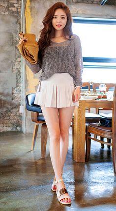 Korean Women's Fashion: Chuu