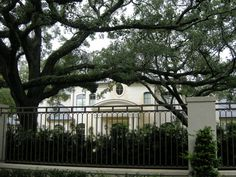 After move to $10.5 million River Oaks mansion, Joel Osteen offers ...