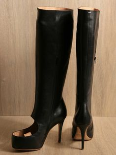 Maison Martin Margiela women's boots from S/S 11 collection in black. [insanely hot boots - toe cleavage!!]