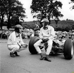Dan Gurney and Jim Clark enjoying a joke; Spa-Francorchamps Thank you Dan Formula 1, F1 Lotus, Jochen Rindt, Dan Gurney, Belgian Grand Prix, Gilles Villeneuve, Car And Driver, Vintage Racing, World Championship