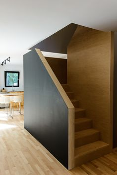 CONTEMPORARY DESIGN/ DESIGN CONTEMPORAIN - STAIRCASE / ESCALIER  - WOOD / BOIS - Design Samira Thameur- Longueuil/Quebec