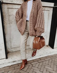 Oversized Cardigan Outfit, Winter Cardigan Outfit, Zip Cardigan, Chunky Knit Cardigan, Cardigan Outfits, Pullover, Cardigan Fashion, Image Beautiful, Knitted Coat