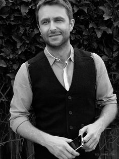 Chris Hardwick, The Talking Dead.  He looks so cute in this picture.