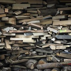 Sunday wood stacking. Ive been clearing the workshop out of all my scraps a really hard thing to do. Im opening my studio for @dorsetartweeks Saturday and I desperately need some more space and to de-clutter. One positive is our wood stack at home for winter is looking pretty good. One plus point to working in wood is you never get cold. #aliceblogg