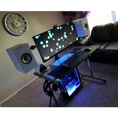 "528 Likes, 2 Comments - Mal - PC Builds and Setups (@pcgaminghub) on Instagram: ""Definitely an interesting setup, I wonder if a free standing station like this would ever become a…"""