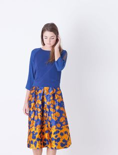 Midi-length corolla skirt in jacquard fabric