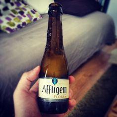 Test la @affligembeer cuvée Florem aromatisée à la fleur de sureau. J'aime bien :) #bière #Beer