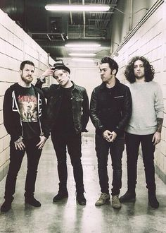 My new favourite picture of Fall Out Boy <333