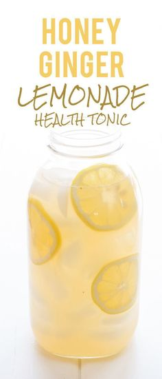 Honey Ginger Lemonade Health Tonic: So, what is a honey ginger lemonade health tonic? Well, its a lightly-sweetened drink brewed from fresh ginger and lemon. Its tasty, refreshing, and my absolute favorite beverage to sip on when Im fighting off a cold Refreshing Drinks, Yummy Drinks, Healthy Drinks, Healthy Snacks, Healthy Recipes, Nutrition Drinks, Healthy Detox, Detox Recipes, Hallumi Recipes