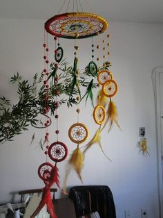 35 DIY Colorful Dream Catchers to Decor Your Room DIY Colorful Dream Catchers Decor Your room, Home decor boho style, how to make a dream catchers, DIY wall decor ideas Dream Catcher Decor, Dream Catcher Mobile, Dream Catcher Boho, Dream Catcher Drawing, Carillons Diy, Diy Dream Catcher Tutorial, Crafts To Make, Diy Crafts, Diy Tumblr