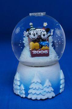 Mickey Mouse & Minnie Mouse Sledding Christmas 2006 Snowglobe Disney Store #DisneyStore #Snowglobes