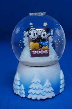 Mickey Mouse & Minnie Mouse Sledding Christmas 2006 Snowglobe Disney Store #DisneyStore #Snowglobes