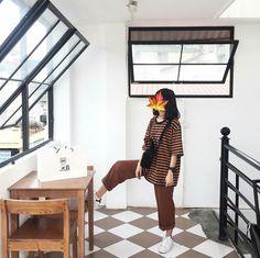 | Lấy = Follow | #Kye School Fashion, Daily Fashion, Boho Fashion, Girl Fashion, Fashion Outfits, Fashion Design, Korean Fashion Trends, Korea Fashion, Tumblr Outfits