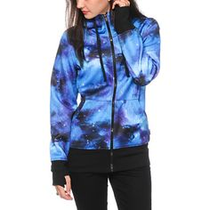 Launch your style with the Blue galaxy print exterior, while the soft bonded fleece lining of this zip up jacket provides paramount comfort.