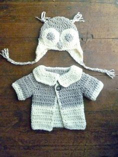 Too Hootie cute... links to patterns...i like the soft yarn & two-toned color palette.