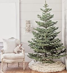 Love the chunky braided tree skirt