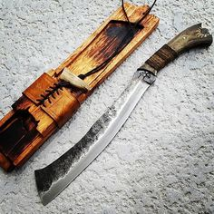 "813 Likes, 5 Comments - Richard (@american_knives) on Instagram: ""An awesome traditional parang! . Credit goes to @ryu.lim . . #knifecommunity #knifeaddict #knives…"""