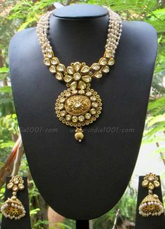 Stunning Kundan, Pearl & Meenakari Necklace Set