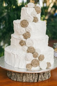 Country wedding cake with burlap roses | Jennifer Martin Photography | Glamour & Grace