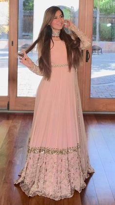 Simple Pakistani Dresses, Indian Gowns Dresses, Pakistani Bridal Dresses, Indian Fashion Dresses, Pakistani Dress Design, Indian Designer Outfits, Indian Outfits, Designer Party Wear Dresses, Kurti Designs Party Wear