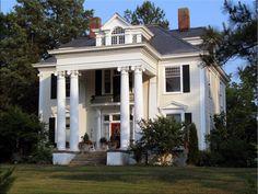 neoclassical architecture characteristics  