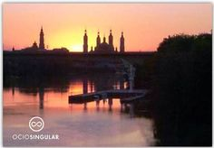 Éstos atardeceres sólo los tenemos en Zaragoza. ¡Lujo de ciudad!
