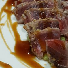 Tataki de atún con guacamole y salsita de soja y miel. Ñamm!  #Tataki#food #foodporn #yum #instafood  #amazing #instagood #photooftheday #sweet #dinner #lunch #breakfast #fresh #tasty #food #delish #delicious #eating #foodpic #foodpics #eat #hungry #foodgasm #hot #foods by syylviaros