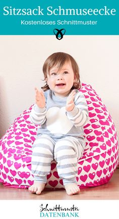 Bei Fred von SOHO findest Du ein fantastisches kostenloses Schnittmuster fürs Kinderzimmer. Die Schmuseecke ist ein Sitzsack perfekt für Kinder, um sich zurückzuziehen, zu kuscheln, ein Buch zu lesen,... Das Freebook ist sehr schön gemacht und erklärt die einzelnen Schritte ganz genau. Allerdings wird empfohlen, dass Du beim Füllen unbedingt ein zweites Paar Hände zur Hilfe hast.