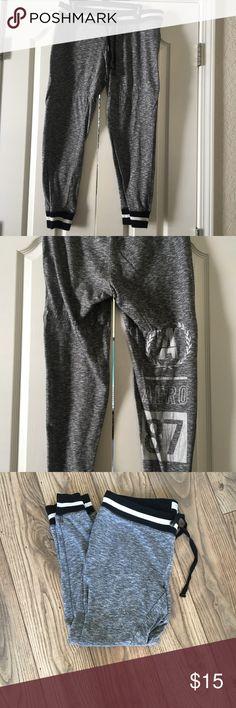 Aeropostale Joggers/Gym Pants (Large) Cute Aeropostale Black & White Joggers with Logo on the leg Aeropostale Pants Track Pants & Joggers