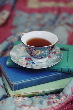 Cozy Teatime, Ꮗ/an old book  pretty quilt~❥