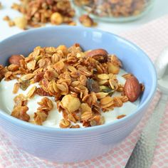 Protein Treats By Nicolette : Pumpkin Spice Protein Granola Love Food, A Food, Food And Drink, Healthy Snacks, Healthy Eating, Healthy Recipes, Smart Snacks, Scd Recipes, Protein Snacks