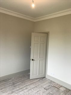 Farrow and ball: Shadow White walls, Drop Cloth woodwork