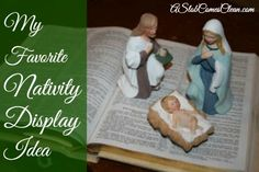 What a great idea! My Favorite Nativity Scene Display Idea :: Turn to the Christmas Story in the pages of The Bible! Christmas Nativity Scene, A Christmas Story, Country Christmas, All Things Christmas, Vintage Christmas, Nativity Scenes, Winter Christmas, Merry Christmas, Xmas