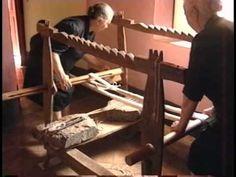 "Tappeti di Armungia - ""Warping (ordire), le fasi preparatorie della tessitura ad Armungia"" Official - YouTube"