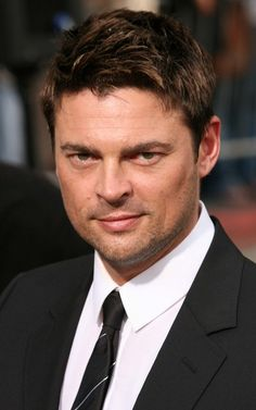 Karl Urban - what a delicious man!!!