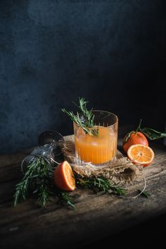 """Rosemary and Clementine Whiskey Sour - Gourmantine Blog """"To do so take: 1 part of rosemary syrup (bunch of rosemary brought to boil and left to infuse for 30 mins with 1 part water and 2 parts sugar) 1 ½ part whiskey, 2 parts clementine juice and 1 part lemon juice, stir it up and pour over ice!."""""""