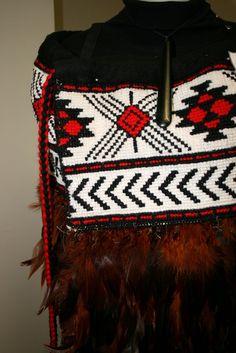 Detail of a traditional Maori Korowai (cloak) made a friend. Maori Patterns, Knit Patterns, Beading Patterns, Basket Weaving, Hand Weaving, Maori Designs, Maori Art, Kiwiana, Tribal Dress