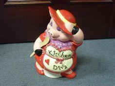 KITCHEN DIVA PINK PIG WITH SPOON COOKIE JAR