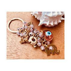 🐘🐘🌸 . . . #accessories #keychain #elephant #pink #evileye #etsy #housewarming #muranoglass #gift #handmade #charms #homedecor #fil…