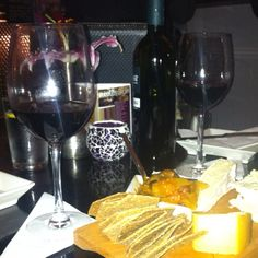 Cheeseboard & Chutney yummy :) Chutney, Red Wine, Alcoholic Drinks, Restaurants, Food, Essen, Liquor Drinks, Restaurant, Meals